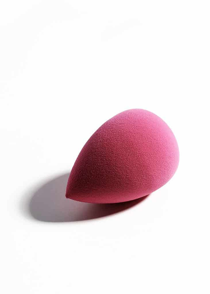 beauty blender pink tear drop