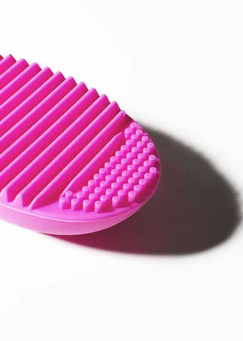 brush cleaning egg pink